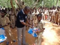 Œuvres sociales de l'association EBEN-EZERDes fournitures scolaires offertes aux enfants démunis et aux orphelins de la préfecture de Vo