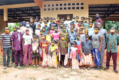Rentrée scolaire 2020-2021 : Dons de kits scolaires à Vo Koutime